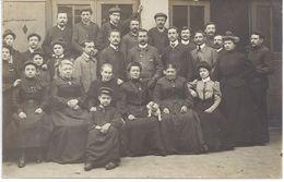 à Identifier : CARTE PHOTO D'un Groupe De Personnes -voir Dos - Bon état - Postkaarten