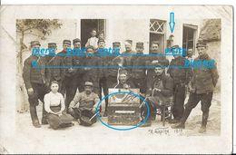 CPP 42è Régiment Artillerie Campagne 1915 Groupe Artilleurs Militaire Soldat Batiment Ferme ? Caisse Outil De Bourrelier - Guerra 1914-18