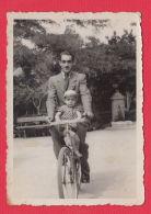 222550 /   Cycling Cyclisme Radsport  VELO BIKE , MAN BOY Bulgaria Bulgarie Bulgarien Bulgarije - Ciclismo