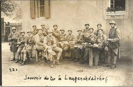 GROUPE DE  MILITAIRES   SOUVENIR  DU  TIR  A LANGERCHEDERHOF  No 150  SUR CASQUES ET  COLS - Régiments