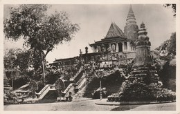 PNOM-PENH Le Phnom Escalier Et Jardin 31F - Cambodia