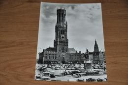 453- Brugge, Halletoren / Auto's - Brugge