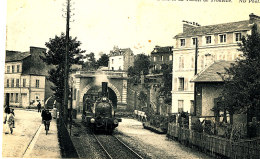 AJ 527 /C P A   -  LISIEUX  (14)    L'ENTREE DU TUNNEL DE TROUVILLE - Lisieux