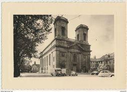 57) THIONVILLE - Carte Postale Photo - Eglise Catholique - Tube Citroën - Ca 1950 - Thionville