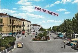 Abruzzo-chieti-lanciano Piazzale Della Stazione Veduta Differente Viale Fermata Auto Corriere Persone Topolino - Italia