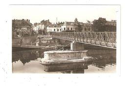 CPA 77 MELUN Passerelle Du Pont De Fer Et Rue Saint Antoine - Melun