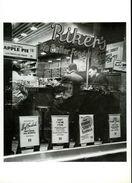 New York 1948 : Riker's Restaurant Par Berenice Abbott - Cafés, Hôtels & Restaurants