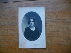 Ancienne Carte Photo , Portrait De Femme - Silhouettes