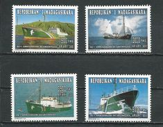 MADAGASCAR  Scott 1341-1345 Yvert 1438-1441 (4) ** Cote 5,50 $ 1996 - Madagascar (1960-...)