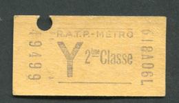 """Ticket De Métro """"Y Tarif Réduit"""" RATP 2ème Classe 1968 - Billet De Train - Subway"""