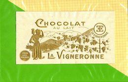 Etiquette De Chocolat  : Chocolat Au Lait LA VIGNERONNE  Papier Embossé Couleur OR - Labels