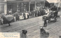 75e Anniversaire De L'Indépendance.  Cortège De La Fête Des Halles Et Marchés Bruxellois. 05 - Monsieur Van Der Sprotjes - Fêtes, événements