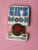 PIN'S  GIL'S MOBIL    -  Automobile, Carburant, Huile    (31) - Badges