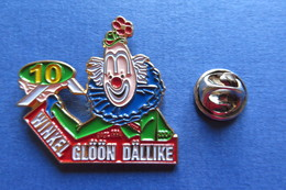 Pin's, Clown, Winkel Glöön Dällike, Suisse, 10, Limité - Badges