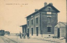 62  HERMIES  La Gare - Gares - Avec Trains