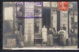 """69 - 54 Rue Des Charpennes ..... Devant De Magasin """" Grains Farines Pailles ... """" - Carte Photo  - 1907 - Villeurbanne"""