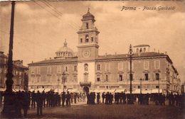 PARMA PIAZZA GARIBALDI CARTOLINA ANIMATISSIMA  ANNO 1915-1925 - Parma