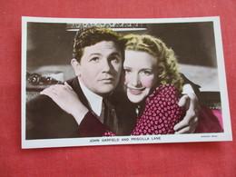 Color RPPC  Actor John Garfield & Priscilla Lane== Ref 2806 - Artistes