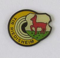 1 Pin's TIR - RIEDISHEIM - Badges