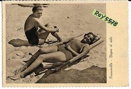 Abruzzo-chieti-francavilla Al Mare Bagno Di Sole In Spiaggia Anni 40 Veduta Donne In Costume Sdraio Pin Up D'epoca - Italia