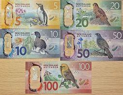 C) NEW ZEALAND BANK NOTES 5 PC SET UNC ND 2015 - 2016 - New Zealand