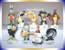 Bugs Bunny Family ... Lot De 9 Fèves .. Ref AFF : 6-1996 .. ( Pan 0039) - Cartoons