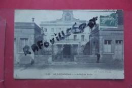 Cp Le Neubourg L'hotel De Ville Animé N 162 - Le Neubourg