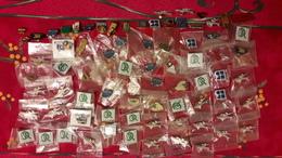 Lot De 75 Pin's ( Certains En Plusieurs Exemplaires) Poids : 250gr - Pin's & Anstecknadeln
