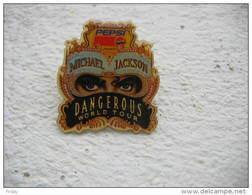 Pin's MICHAEL JACKSON: Dangerous World Tour - Celebrities