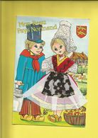 Carte Postale Brodée  De La Normandie Enfants En Costumes Et Sabots + écusson  Garçon En Laitier Et Fille Pannier à Pomm - France