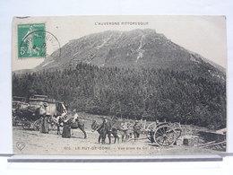 LE PUY DE DOME (63) - VUE PRISE DU COL DE CEYSSAT - ANIMEE - Clermont Ferrand