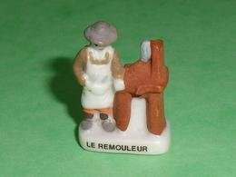 """A / Fèves / Personnages / Métiers : Le Rémouleur  """" Mat Satiné Et Brillant  """"   T84 - Characters"""