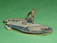 Pin's / Bateaux : Porte Avion , 55mm  TB2U - Boats