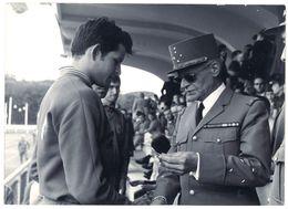Photo Militaire étoilé, Général, Remise De Prix ?, à Identifier - Guerre, Militaire
