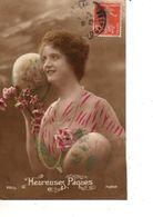 FANTAISIE--heureuses Pâques--oeufs + Fleurs--FEMME-FRAU-LADY--jolie Jeunne Femme--voir 1 Scan - Easter
