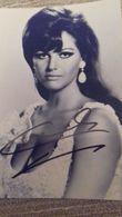 Claudia Cardinale - Autographe - Actrice Internationale - Cinéma - Autogramme & Autographen
