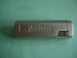BRIQUET MARLBORO LIGHTER Feuerzeug  打火机 ЛЕГЧЕ ライター ACCENDINO AANSTEKER ENCENDEDOR ///////////////////// - Unclassified
