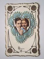 Magnifique Carte Fantaisie  BONNE ANNEE 1935 Tissus Plissé, Dentelle, Paillettes, Portrait En Coeur - Nouvel An