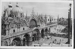 VENETO - VENEZIA - PIAZZA SAN MARCO - B/N FORMATO PICCOLO ANNI '50 - EDIZ. S.B.V. - VIAGGIATA 1951 - Venezia