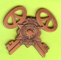 Pin's Service Correctionnel Canada Clé (s) RARE - 1K30 - Administrations