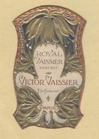 Etiquette Gaufrée Parfum Royal Vaissier Essence Victor Vaissier Parfumeur PARIS Format : 3,1 Cm X 5,4 Cm Superbe.Etat - Labels