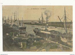 11 LA NOUVELLE LES QUAIS BATEAU VAPEUR CPA BON ETAT - Port La Nouvelle