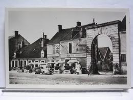 POUILLY SUR LOIRE (58) - HOTEL DU GRAND CERF - ANIMEE - AUTOMOBILE (4CV) - Pouilly Sur Loire