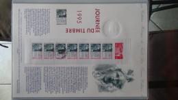 Album + Etui De 50 Documents Philatéliques De France . 3 Albums Achetés = Port 19.20 OFFERT !!! - Stamps