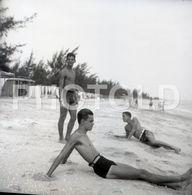 50s BOYS BEACH PORTUGAL 60/60mm AMATEUR NEGATIVE NOT PHOTO NEGATIVO NO FOTO - Photographica