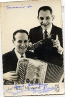 Photo Souvenir, Autographes Des Frères MEDINGER, Accordéoniste Et Clarinettiste - (autographe) - Music And Musicians