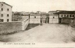 LYON 7 - Entrée Du Fort Lamothe Soldat 6 ème Régiment écrit à Ormoy Les Sexfontaines Cachet Militaire - Lyon 7
