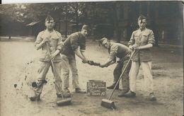 Groepsfoto    Aan Het Werk... - Barracks