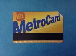 USA STATI UNITI SCHEDA CARTA TESSERA USATA METROCARD MTA INGRESSO METRO TRENI BUS USED CARD - Wochen- U. Monatsausweise