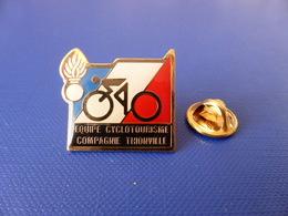 Pin's Gendarmerie - équipe Cyclotourisme Compagnie Thionville - Vélo - Cyclisme (KA22) - Army